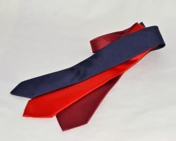 Cravatte di produzione artigianale in seta tinta unita