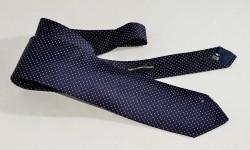 Cravatta in seta cucita a mano