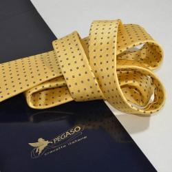 Cravatta di produzione artigianale in seta e package
